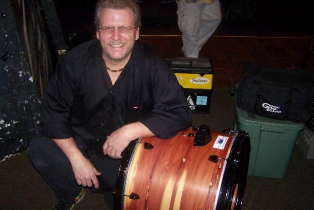 Mike Akai, drums