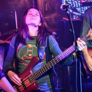 Cheryl McNamee, bass